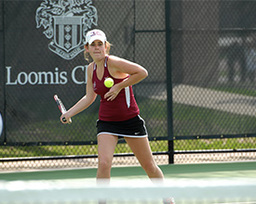 Girls Tennis Gets First Win of the Season